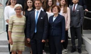Maturaklasse 5a der höheren Lehranstalt für wirtschaftliche Berufe Biedermannsdorf