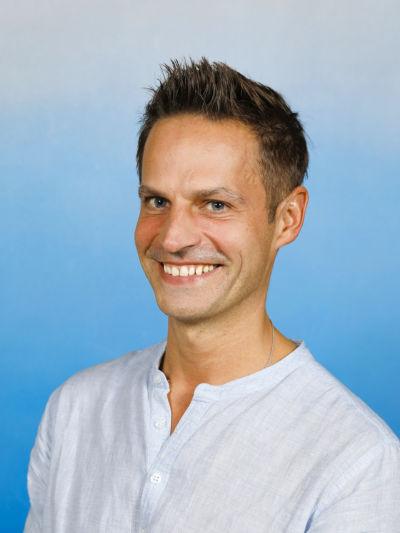 Prof. Mag. Mario Ernst